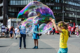 Catching a bubble