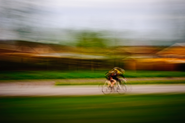 Cycle with blur (c) Johan Conradson